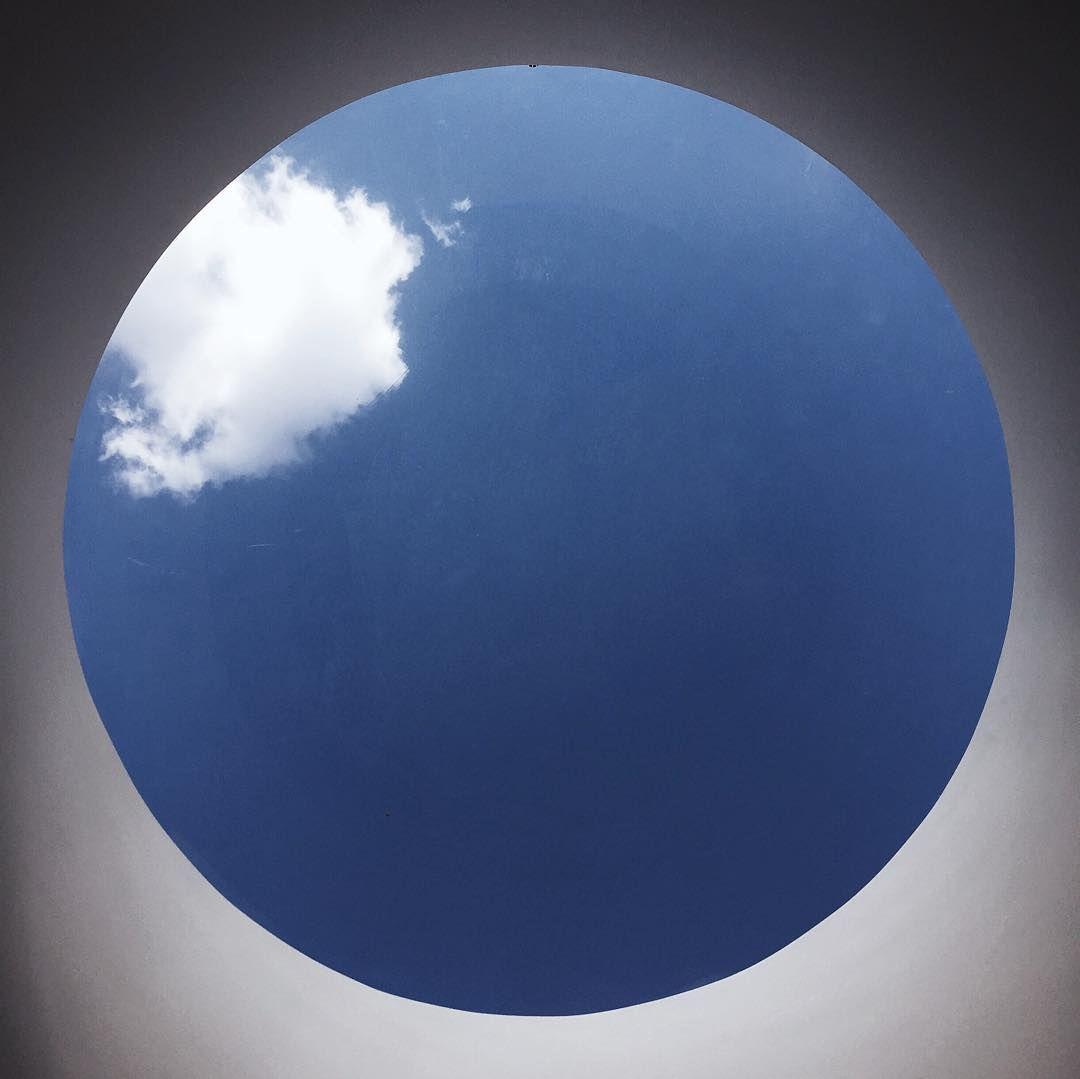 #天空 #圓形 #乾淨 #好天氣 #窗