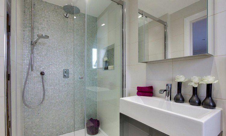 lavabo petit espace good salle de bains amuenager une petite surface with lavabo petit espace. Black Bedroom Furniture Sets. Home Design Ideas