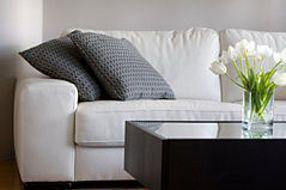 Couch Reinigen So Wird Ihr Sofa Aus Mikrofaser Sauber Putzen