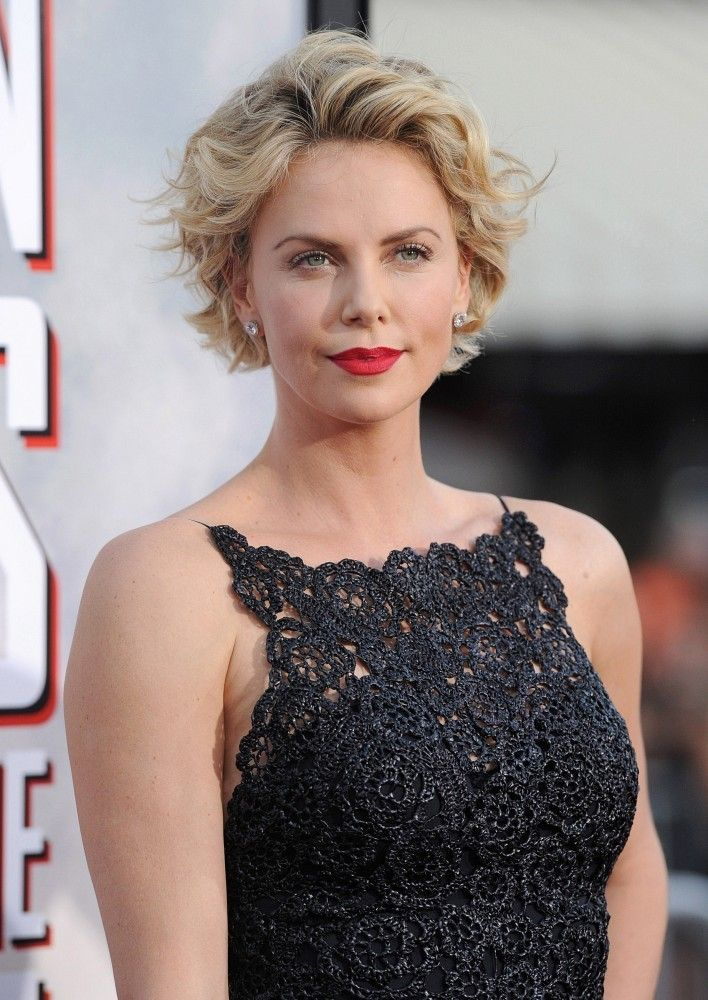 Charlize Theron Photos Photos A Million Ways To Die In The West