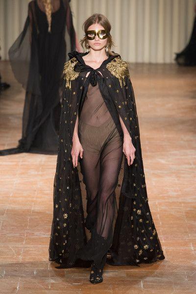 Alberta Ferretti at Milan Fashion Week Fall 2017 - Runway Photos