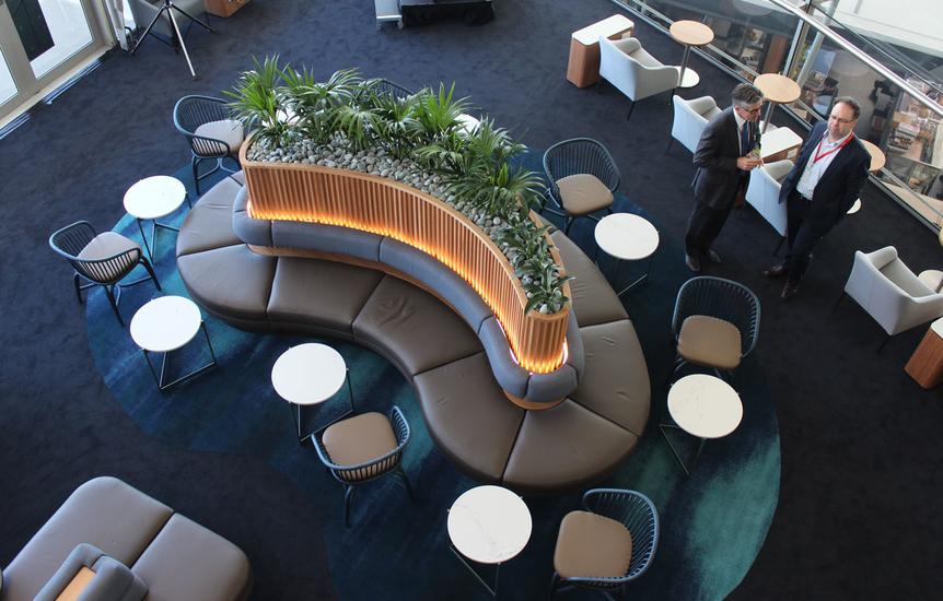 Photo Tour Qantas Brisbane Airport International Business Lounge Australian B In 2020 Lounge Design Restaurant Interior Design Brisbane Airport