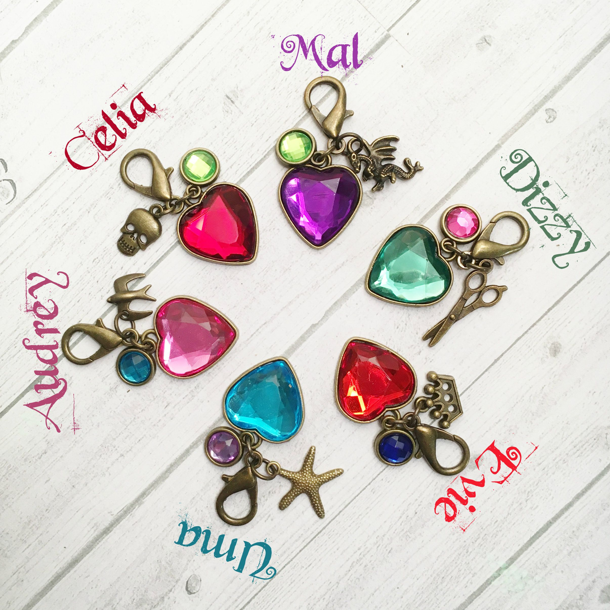 6 - Descendants 3 Zipper Pull Backpack Charms Descendants Party Favors Mal Evie Uma Audrey Dizzy Celia Party Favors Descendants 3 #descendants3