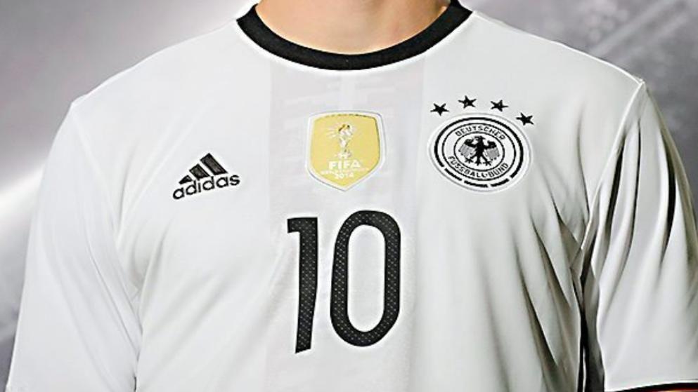 Neben dem Tragen der deutschen Fußball-Nationaltrikots sind unter der ISIS-Terrormiliz auch die Nationaltrikots von England und Frankreich unter Androhung der Prügelstrafe verboten