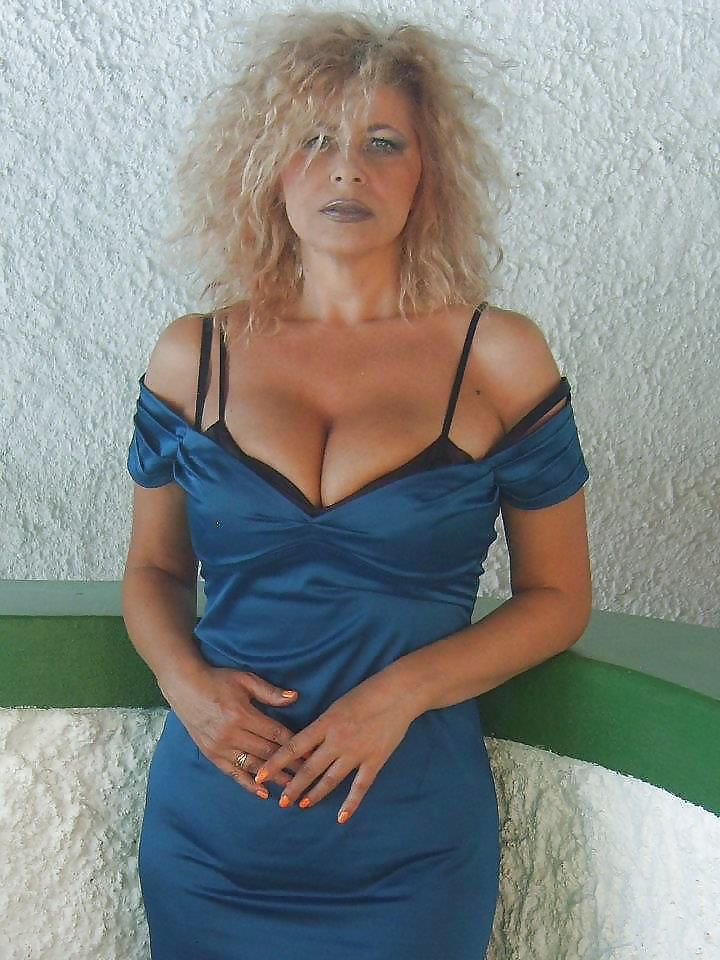 Nude blonde big tits short hair