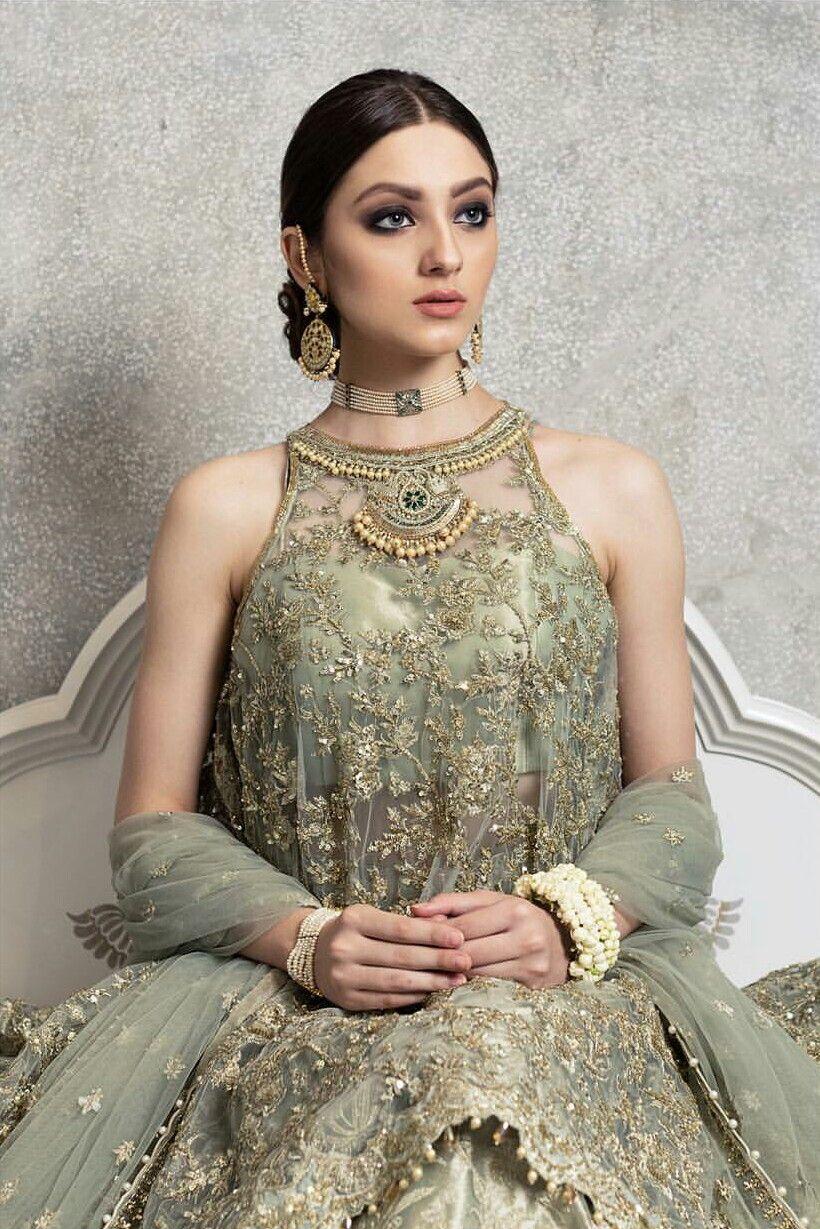Mehndi..green fr mehndi | s | Pinterest | Pakistanische kleider ...