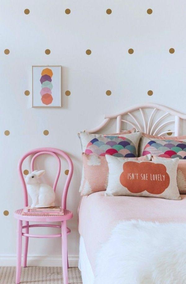 jugendzimmer mädchen bett tapete punktmuster rosa stuhl Marie - designer tapeten schlafzimmer kinderzimmer