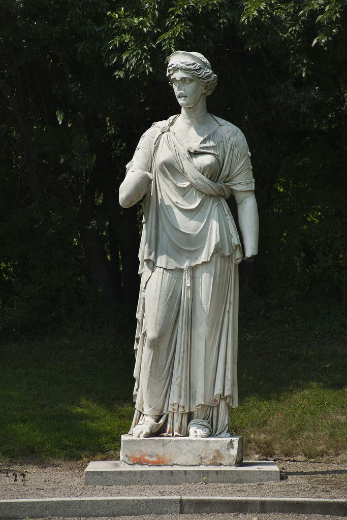 By 1893, the Boncompagni Ludovisi family was in dire financial straits. They sold one of the world's greatest art and antiquities collections. Much of it was purchased by the state and is in Roman museums today, but in 1897 Juno was bought by Charles and Mary Franklin Sprague of Boston. Juno was shipped to Boston then carted by a team of 12 oxen to the Sprague's estate in Brookline. It was the centerpiece of their Italianate garden for the next 107 years until it was bought for the MFA.
