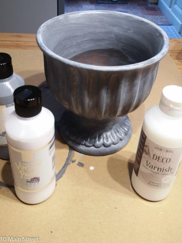 Un Cache Pot Patine A La Vintage Paint Action Cache Pot Patine Pot En Terre Cuite