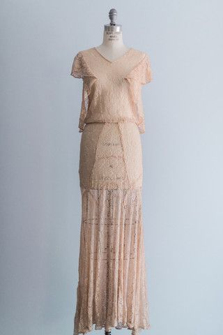 [SOLD] 1930s Peach Silk Lace Dress - S