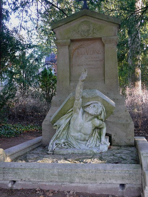 Jules Verne's Tomb
