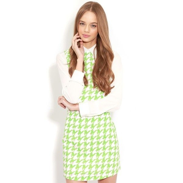 Ayla Green Dogtooth Shift Dress ($17) ❤ liked on Polyvore featuring dresses, green, green long sleeve dress, long sleeve shift dress, white shift dress, patterned shift dress and green day dress