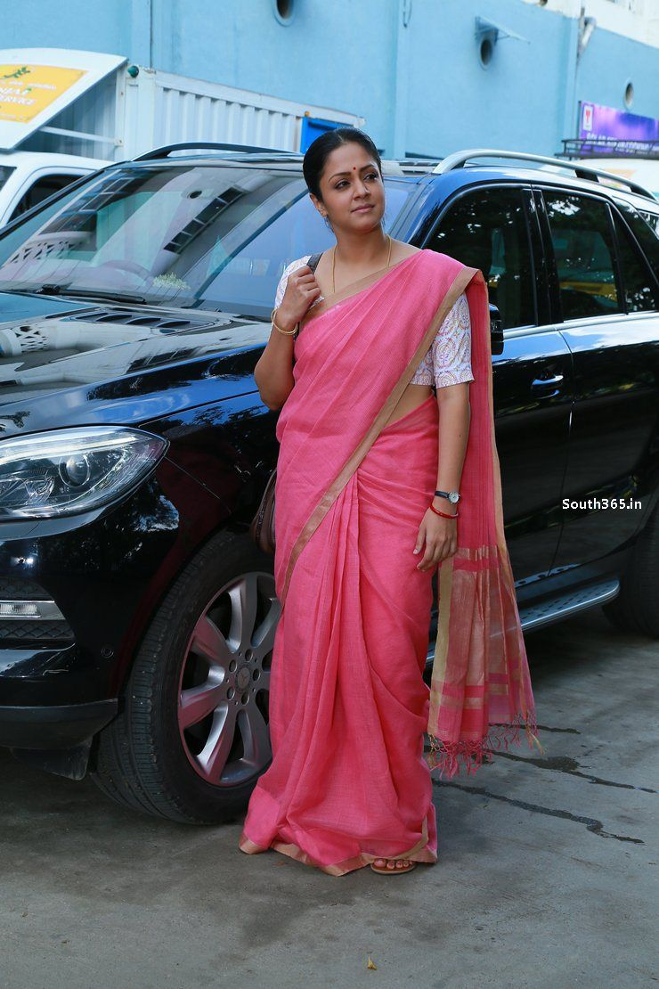 Actress Jyothika In Saree In 36 Vayadhinile Tamil Movie (1)   For ...