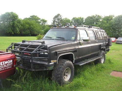 off road suburbans 1989 gmc off road suburban riot. Black Bedroom Furniture Sets. Home Design Ideas