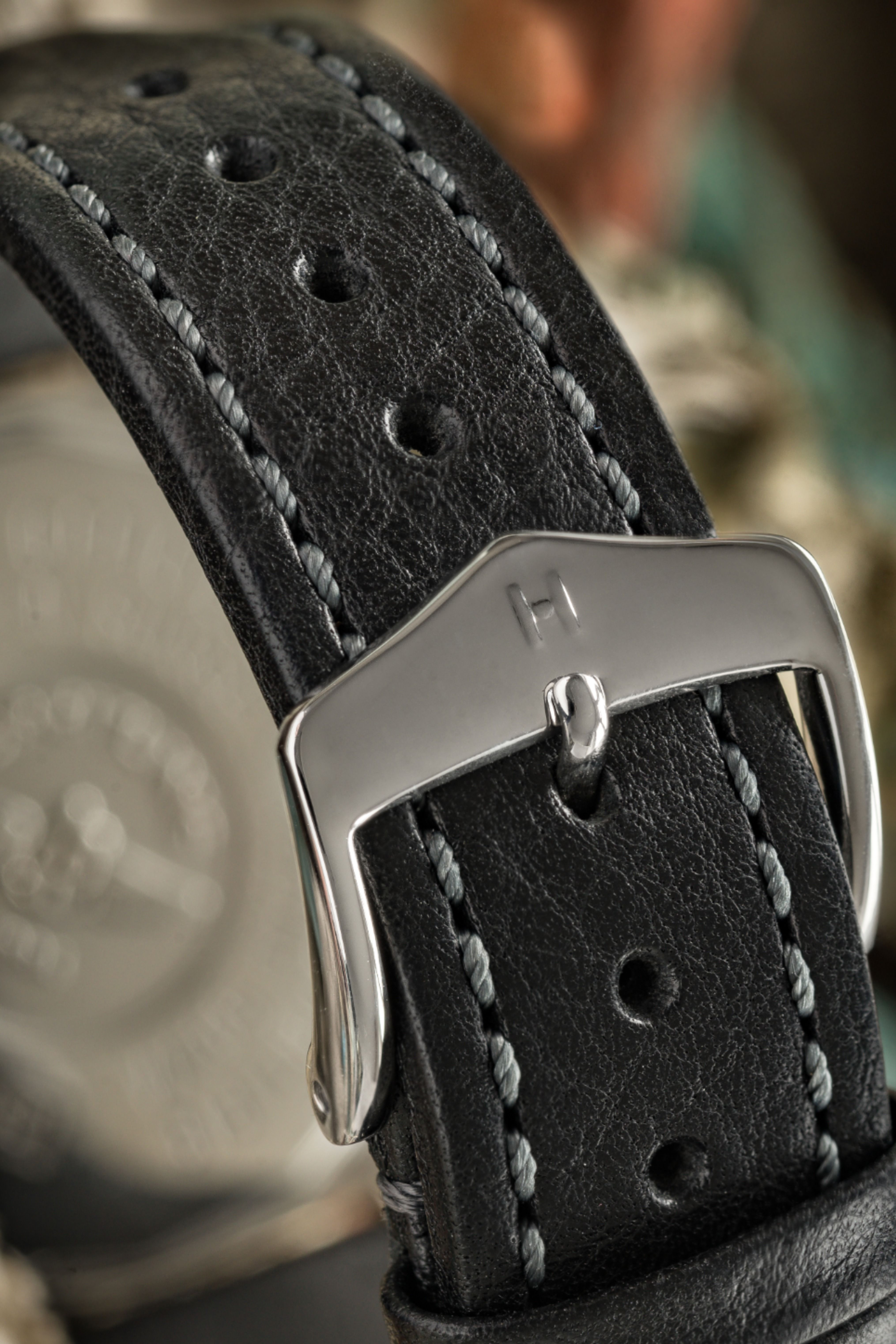 Hirsch lucca tuscan leather watch strap in black in 2020