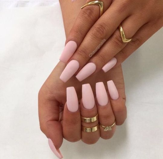 Long Nails International