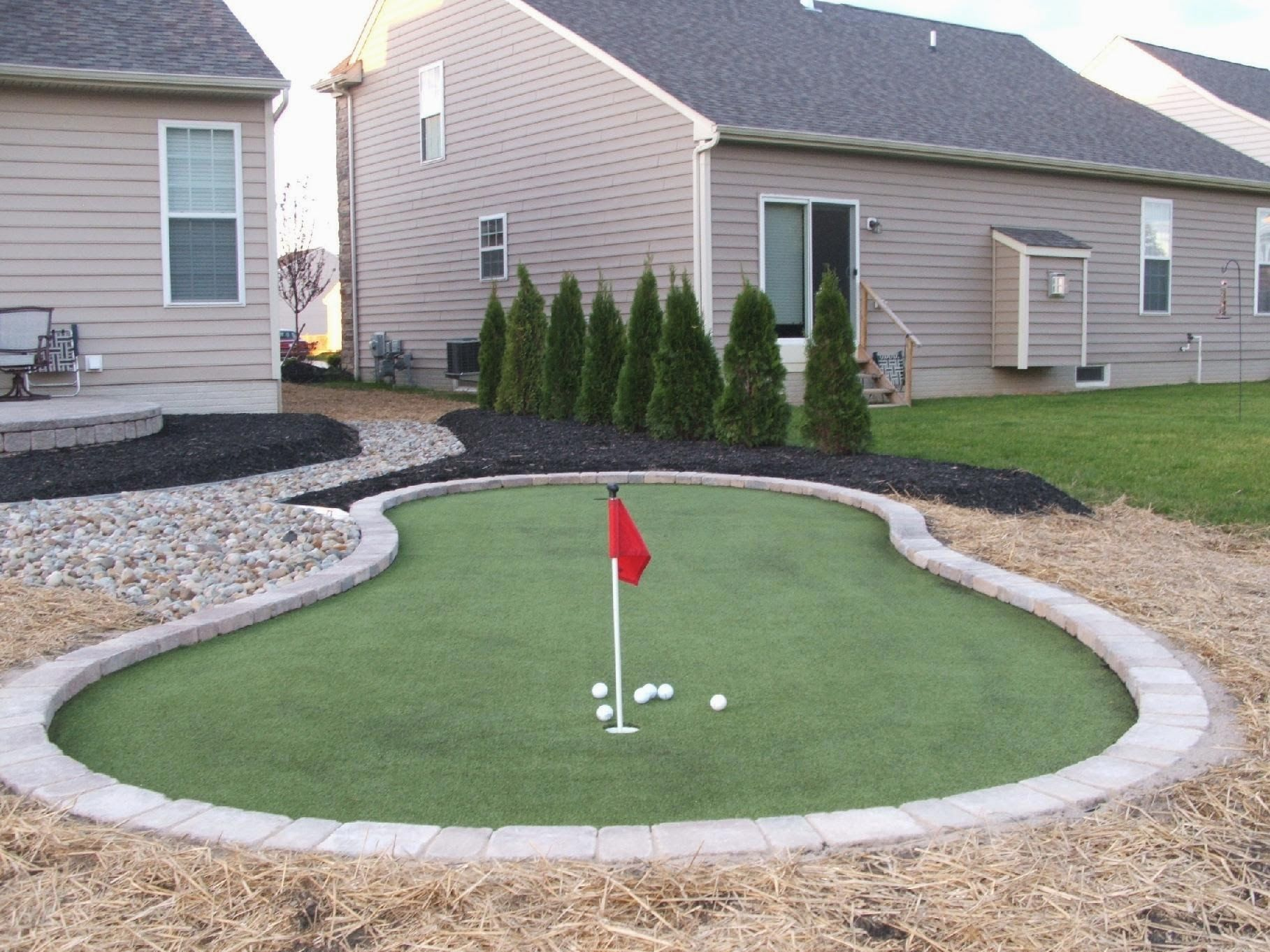 this is a golf green that was installed in a northeast ohio home