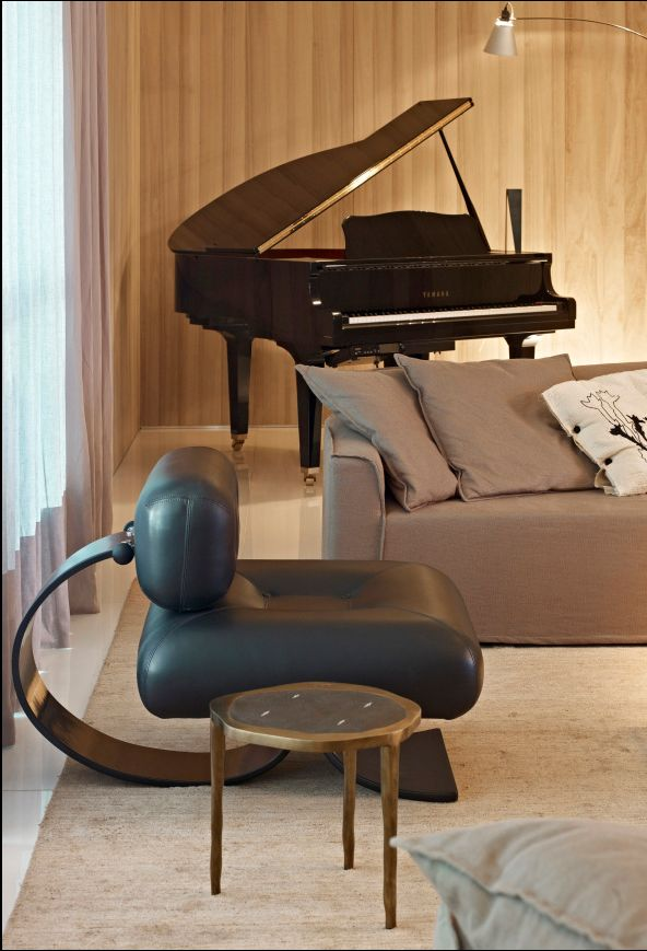 Alta Chair and Ottoman by Oscar Niemeyer