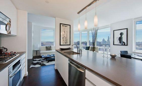 Modern open #kitchen   Oro Condos, Downtown Brooklyn