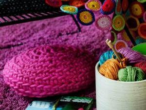 Kotiliesi - Virkkaa pyöreä tyyny