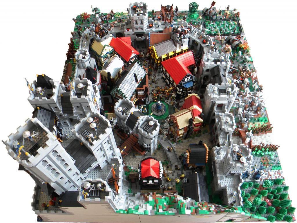 Blue Crowns Castle Siege A Lego Creation By Vladimir Van Hoek