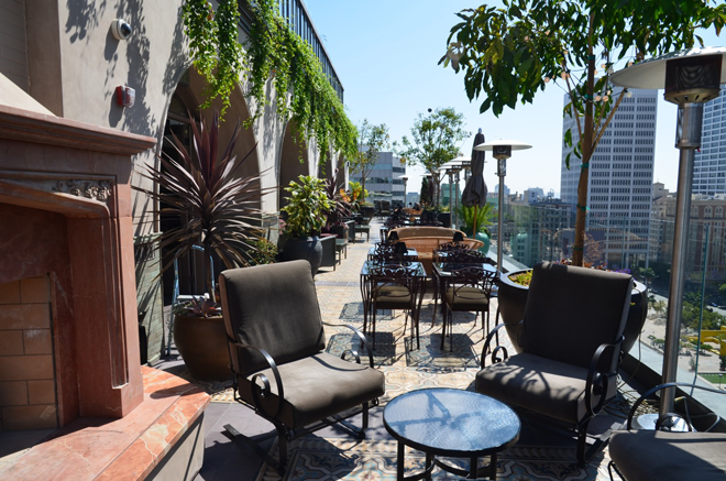 Perch Above Pershing Square In Downtown La 16 Floors Up And Beautiful Outdoor Space And Views Beautiful Outdoor Spaces Los Angeles Restaurants Rooftop Lounge
