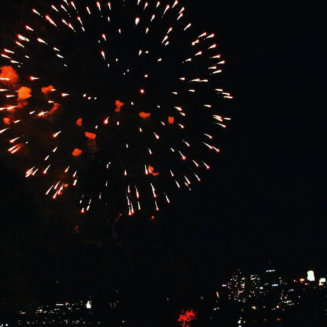 Fireworks over sydney harbour  #fireworks #nye #sydney #sydneyharbour #newyears #newyearseve #fireworkshow #sydneyharbourbridge #landmarks #landmark #australia #photographylovers #photography #nightphotography #canon #canon_photos #canonaustralia #outdoors #nature #like4like #likeforlike #webstagram by adventuresofb http://ift.tt/1NRMbNv