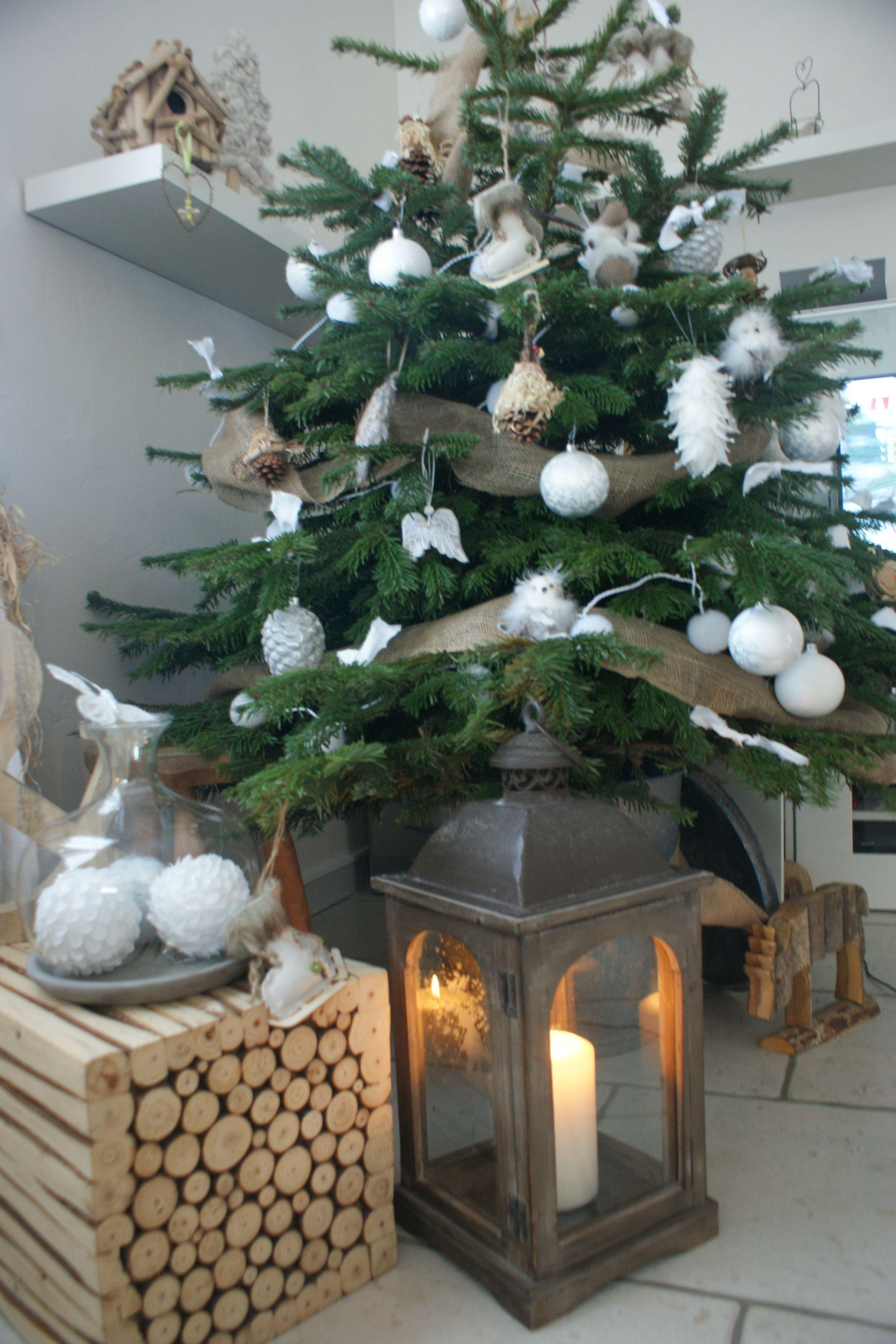 mon joli sapin de noel blanc et naturel chrismas tree. Black Bedroom Furniture Sets. Home Design Ideas