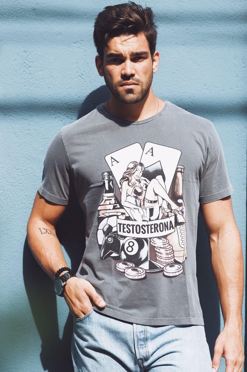 Como usar camiseta masculina  9 dicas simples e eficientes para manter-se  estiloso com a peça favorita de todo homem 4a977d3c11264