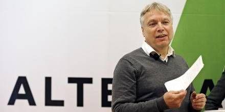 Pres. Hvis man sænker arbejdstiden, vil det også slække presset på velfærdssystemet, mener Alternativets partileder, Uffe Elbæk. Foto: Jens Dresling (arkiv)