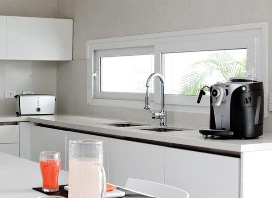 10 ubicaciones y modelos de ventanas para tu cocina blog for Ventanas de aluminio para cocina