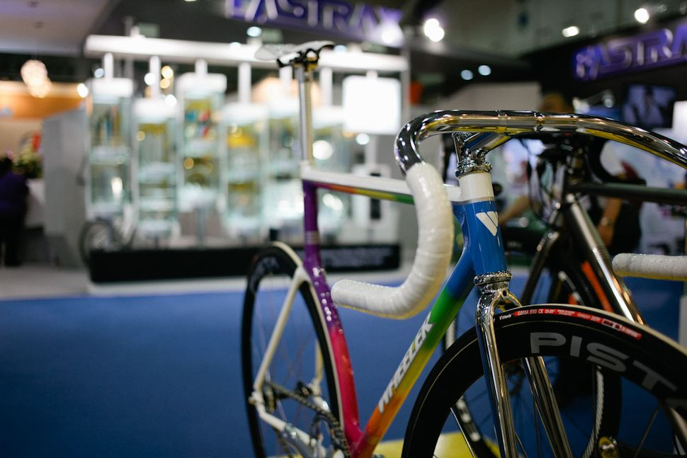 More crazy paint jobs (and only one or two track bikes). | Bicycle ...