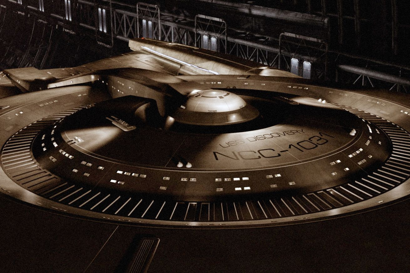 At long, long last, Star Trek is making its way back to TV, and today we're getting a first look. Alongside this afternoon'sStar Trek panel at Comic-Con, CBS put out a teaser showing the new series' subject: a new Starfleet ship called the USS Discovery. The show is also getting a proper name today, Star Trek Discovery.