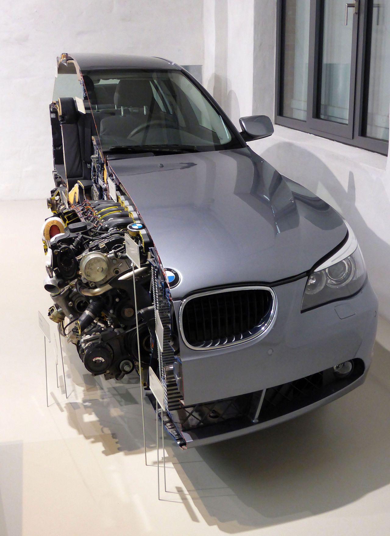 BMW 530d (E60) Schnittmodell (02) - BMW 5 Series (E60) - Wikipedia