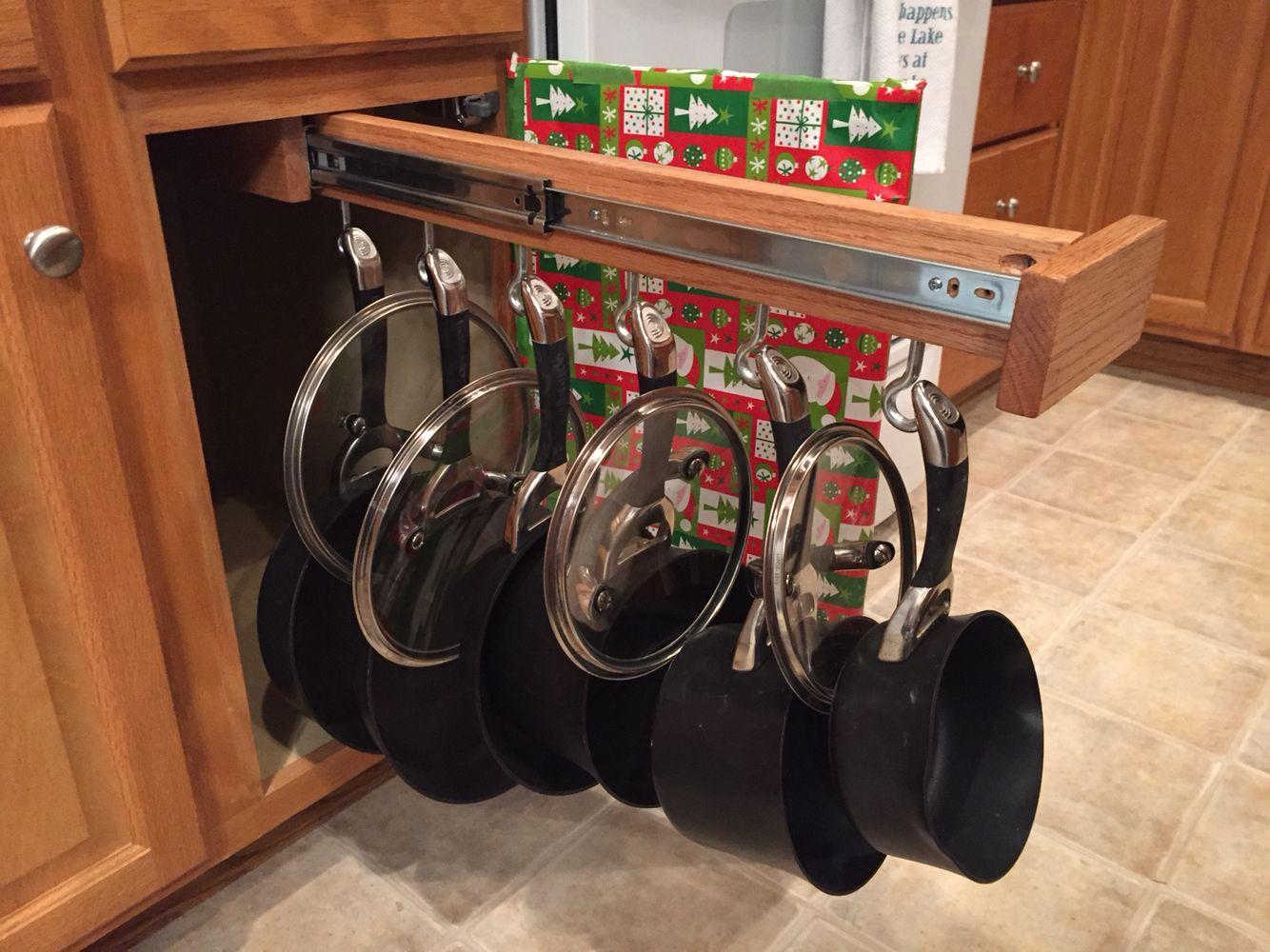 diy slide out pot and pan rack dream home pinterest pan rack kitchens and organizations. Black Bedroom Furniture Sets. Home Design Ideas