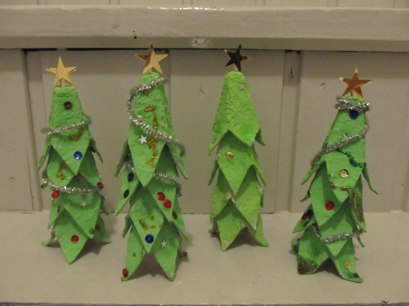 Joulukuuset kananmunakennosta christmas trees
