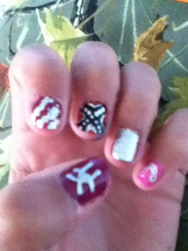 The ULTIMATE country girl nail designs! Pinky: horseshoe Ring Finger ...