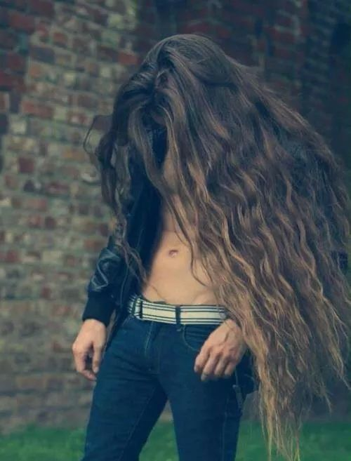 Wow With A Mane Like That He Needs To Be The King Of The Urban Jungle Long Hair Styles Men Boys Long Hairstyles Long Hair Styles
