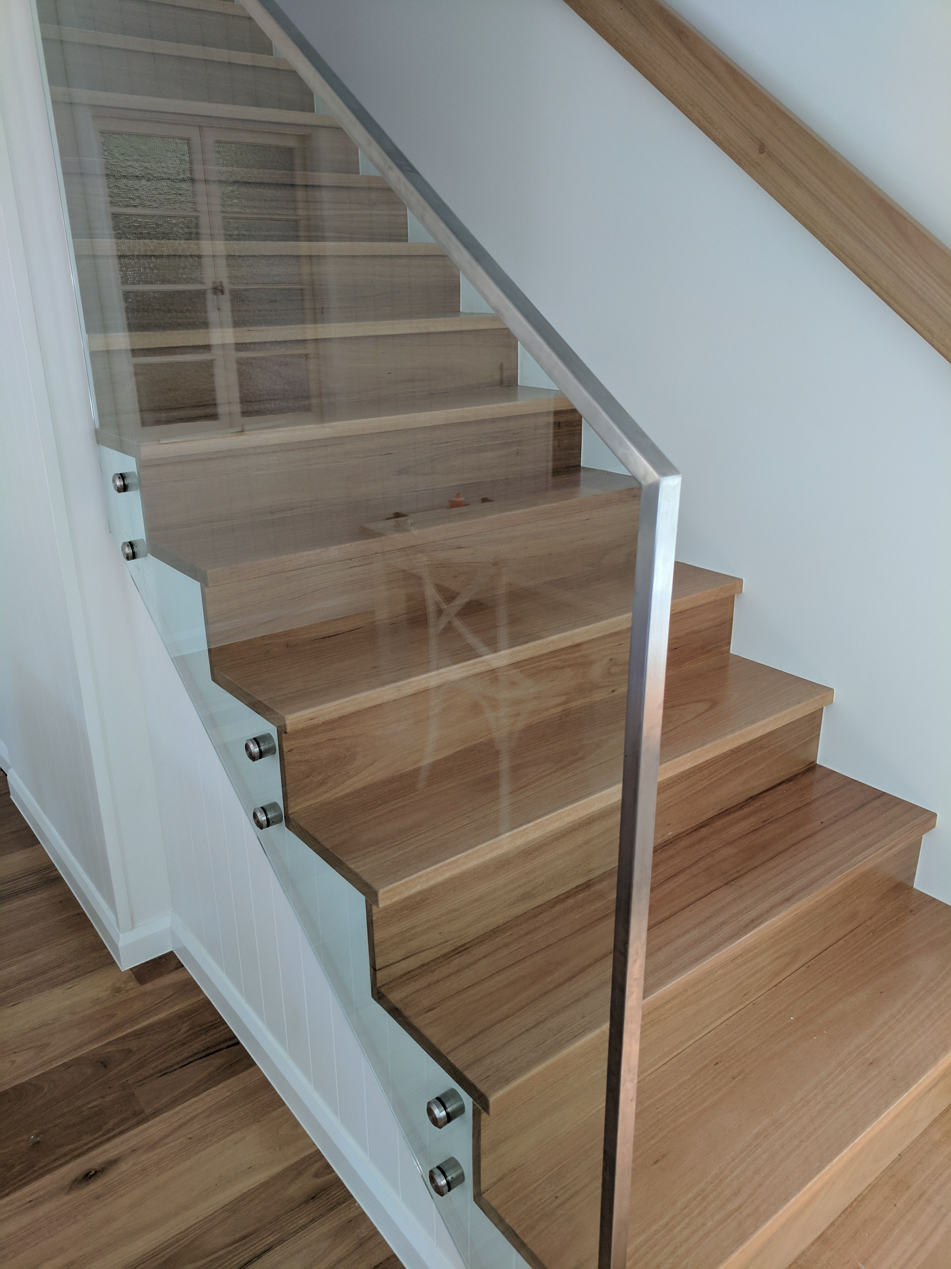 Best Internal And Glass Staircase Frameless Balustrade Patio 640 x 480