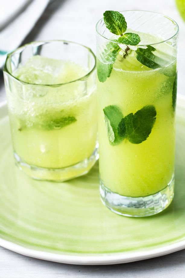 This cooling juice takes the gorgeous flavours of a classic Mojito, but adds an extra healthy twist. Combine fresh mint and sharp lime with sweet apple and refreshing cucumber, all topped up with sparkling water. | Tesco
