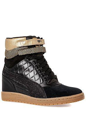 Alexander mcqueen puma cult fetish sneaker
