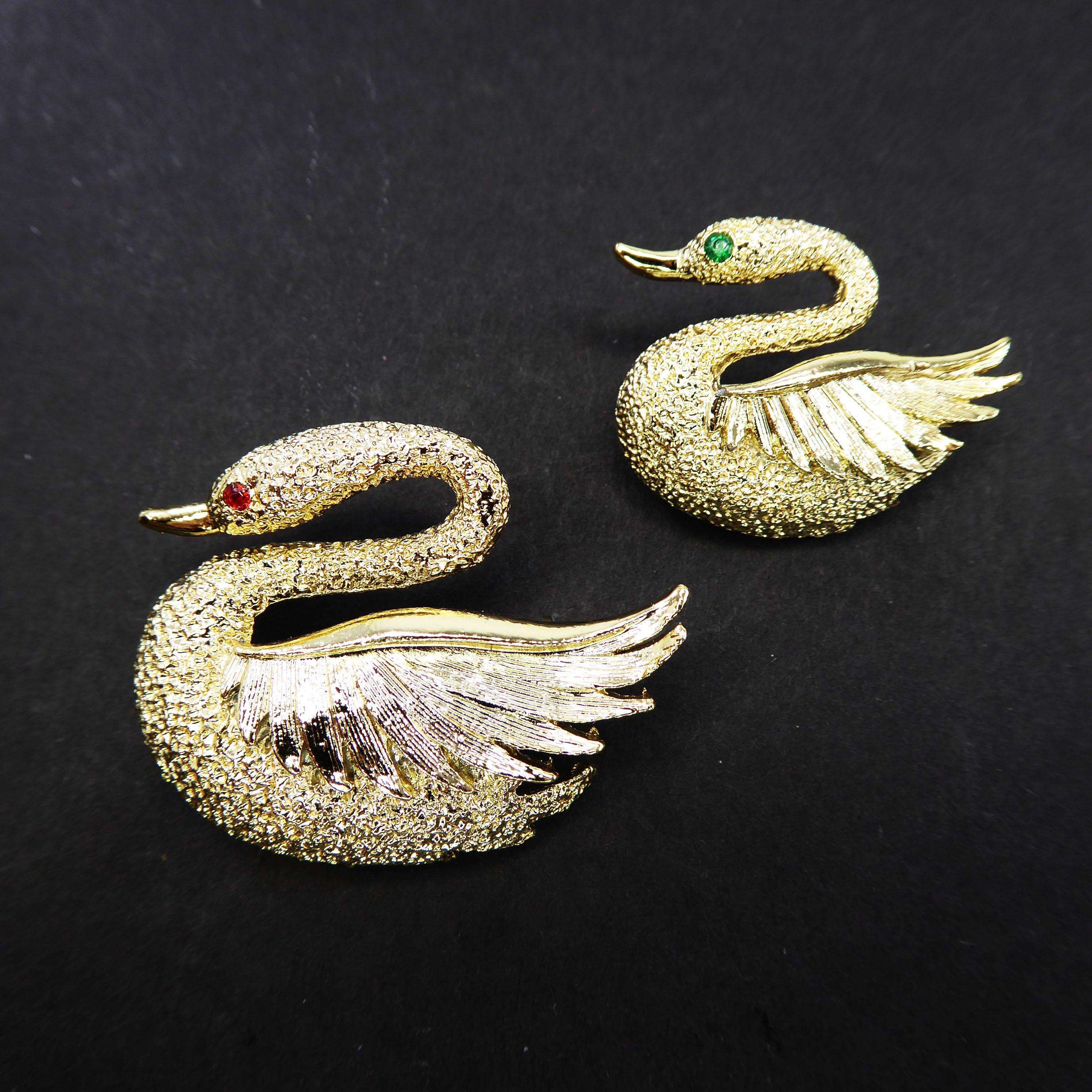 Free Shipping Cute Vintage 1960/'s Gold Tone Bird in Flight Brooch Pin
