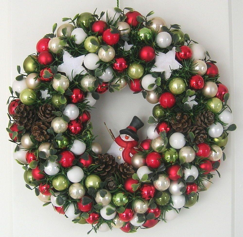 Türkranz Weihnachten türkranz weihnachten rot grün weiß beige kugelkranz kranz