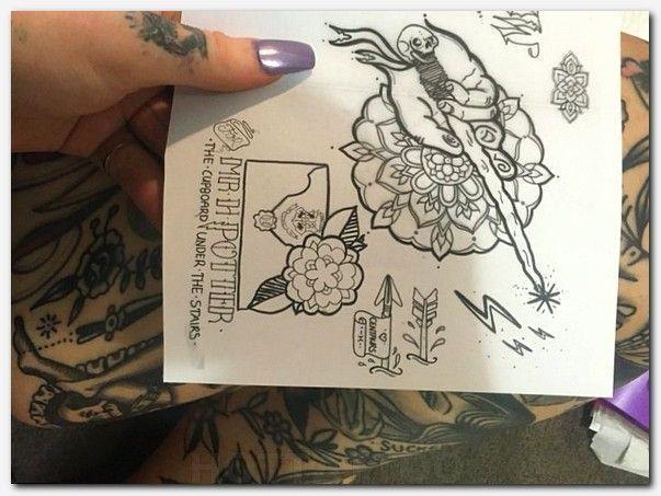 9f20ede1a #flashtattoo #tattoo getting my first tattoo, tattoo black panther, wolf  tattoo outline