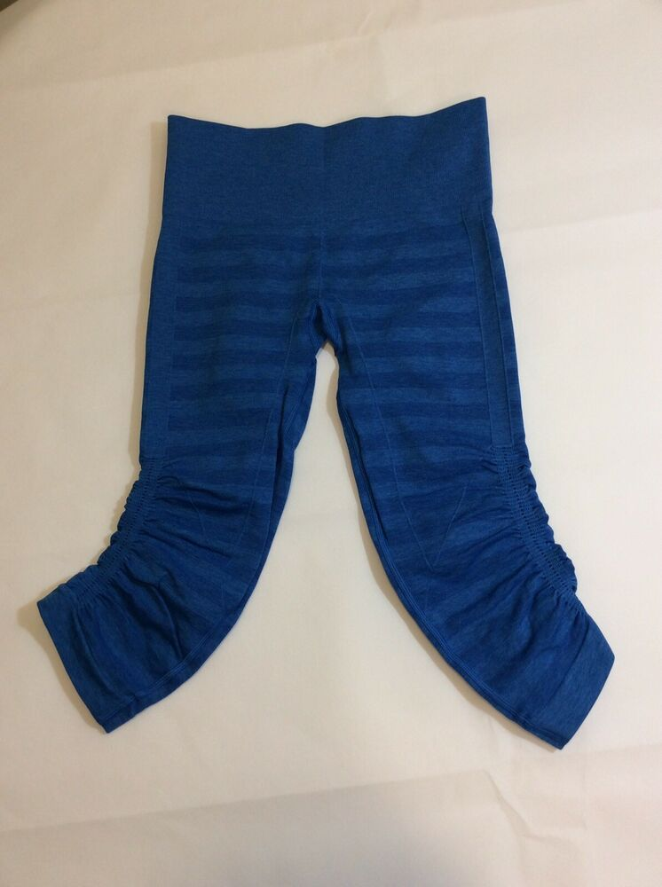 dd79c1ac4ce4a1 (eBay Ad) * Lululemon Size 4 In The Flow Crop Blue Striped Seamless Women's