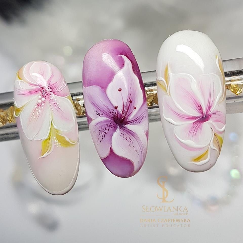 Jakie Kwiaty Najbardziej Lubicie Malowac Lilie A Moze Roze Slowiankanails Slowianka Nailsart Nails Manicure Flower Nail Art Lily Nails Flower Nails