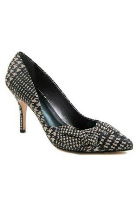 Pin de Christina Salvador en DKNY Donna Karan DKNY en  Pinterest zapatos 9a7839