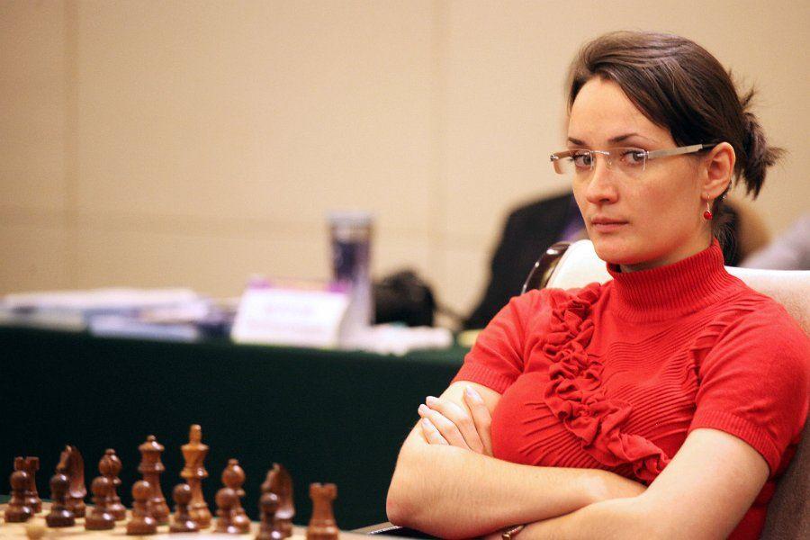 Kateryna Lagno   Land Of Chess   Chess, Men sweater, Chess ...
