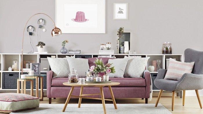 Wandfarbe Hellgrau, Kampe In Rose Gold, Wohnzimmer Einrichten, Runder  Kaffeetisch Aus Holz