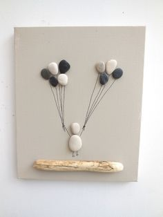 tableau f erique de galets enfant aux ballons collages par ingrid creations deco pinterest. Black Bedroom Furniture Sets. Home Design Ideas